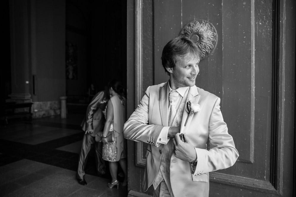 16-foto novio esperando iglesia